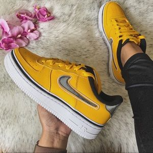 NWT🔥 Nike Air Force 1 LV8 Sport Yellow 5.5Y/7W